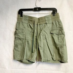 oh baby by Motherhood Olive Shorts Size Small